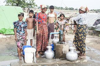 myanmar refugeees